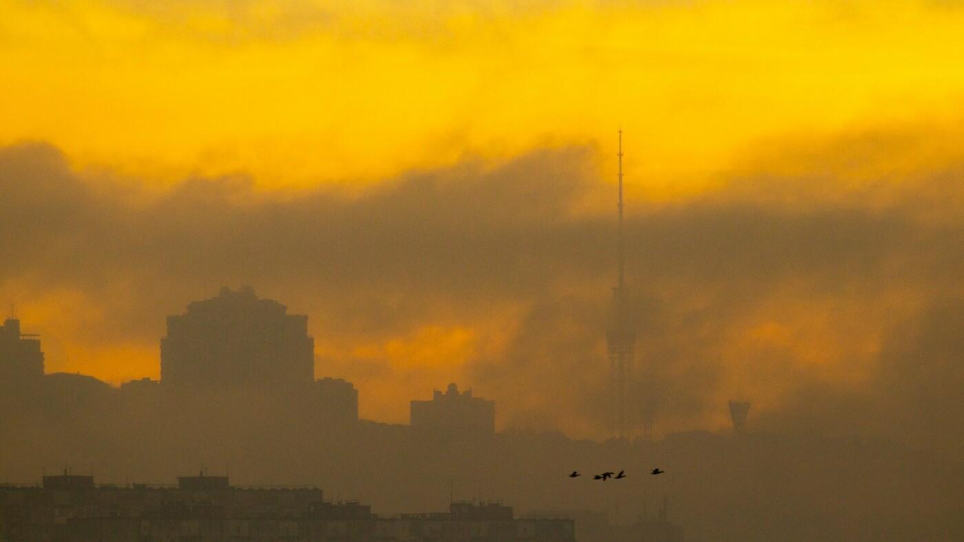 Туман в Киеве: жители столицы показали захватывающие фото ночного города , фото-4, Фото: Vladyslav Sodel