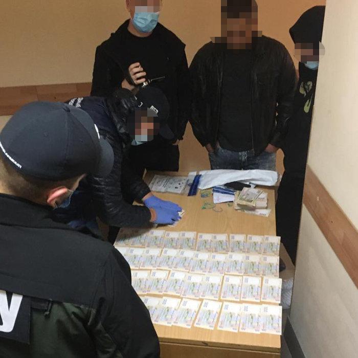 Чиновник Нацполиции в Киевской области попался на взятке в 500 тысяч гривен , фото-1