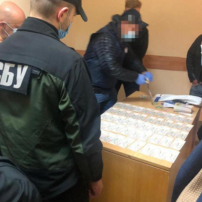 Чиновник Нацполиции в Киевской области попался на взятке в 500 тысяч гривен , фото-2