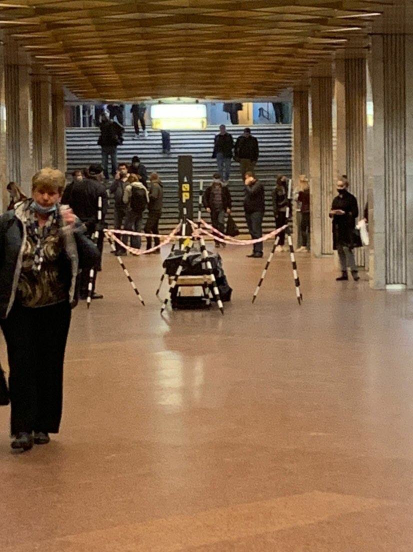 Пассажир скончался на станции метро в Киеве: подробности, ФОТО, фото-1, Фото: Киев News