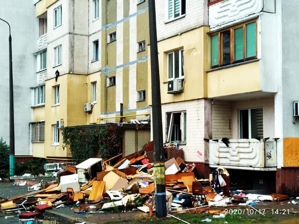 Взрыв на Позняках: жителям дома не вернули мебель и технику, выбросив все из..., фото-1, Фото Марины Писаренко на странице в социальной сети Facebook