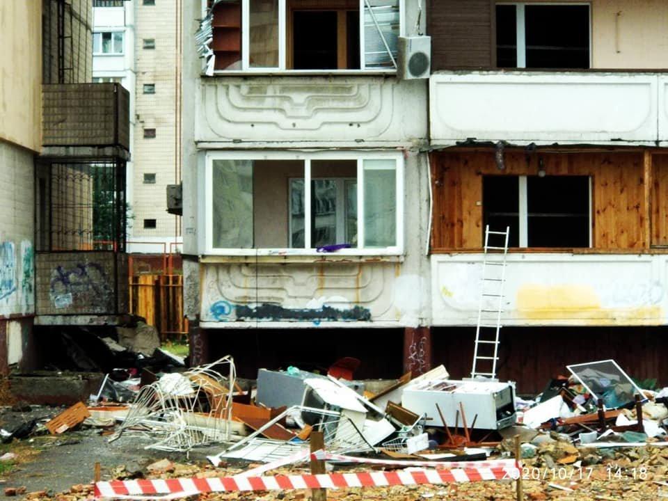 Взрыв на Позняках: жителям дома не вернули мебель и технику, выбросив все из..., фото-2, Фото Марины Писаренко на странице в социальной сети Facebook
