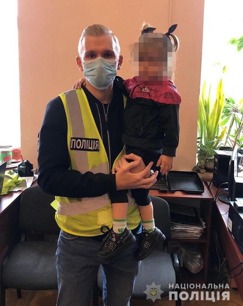 В Киеве мать бросила свою 3-летнюю дочь и сбежала, ФОТО, фото-1