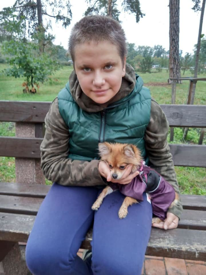 Ушла из дома: в Киеве ищут 13-летнюю девочку в зеленой толстовке,ФОТО, фото-1, Фото полиции
