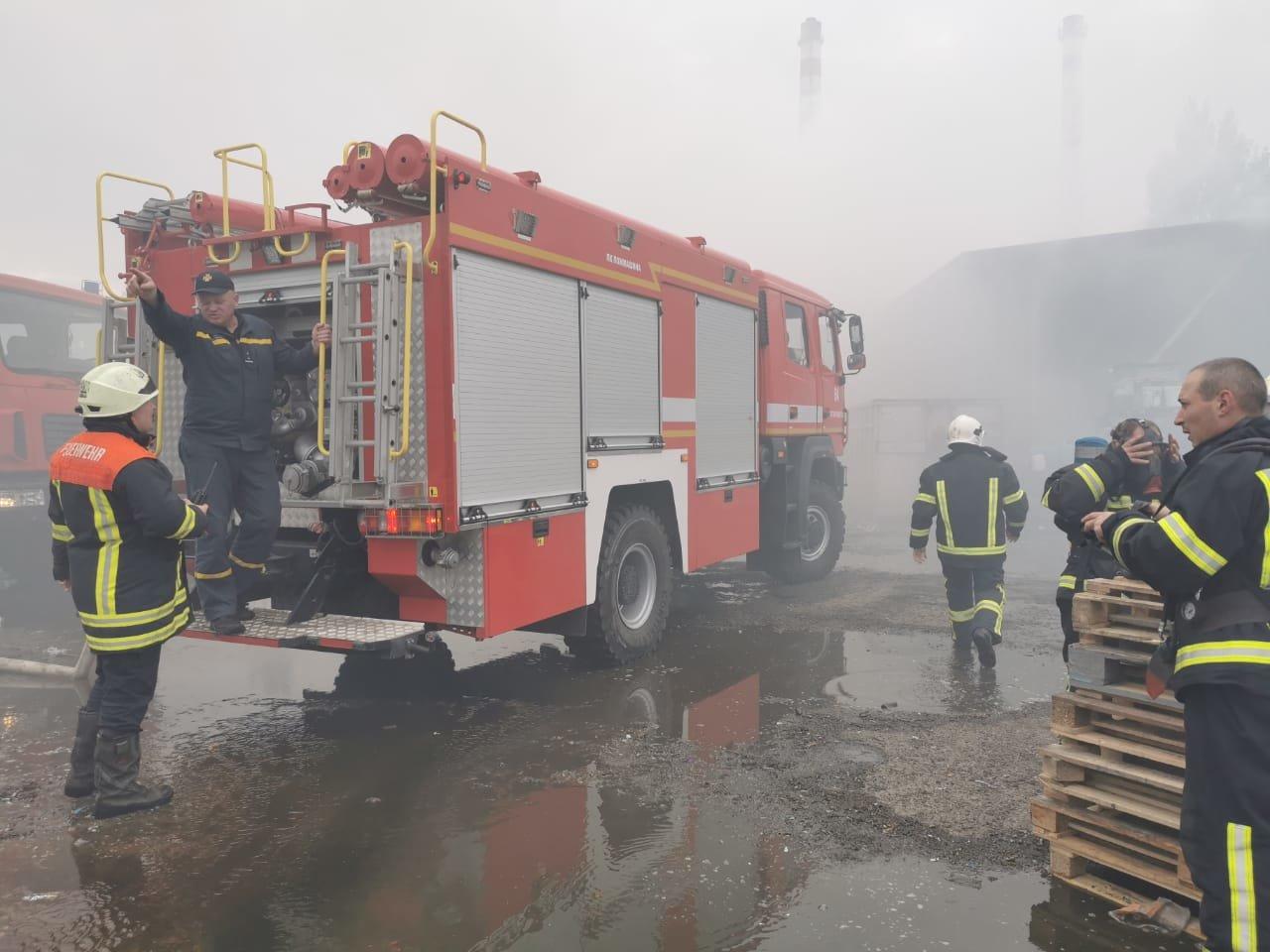 Пожар на предприятии с химикатами под Киевом: есть пострадавшие, ВИДЕО, ФОТО, фото-3