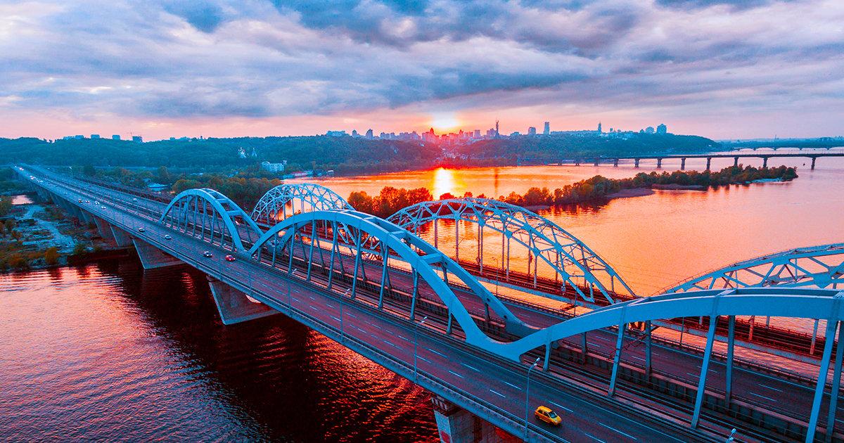 Лучшие мосты Киева, которые стоит увидеть каждому киевлянину своими глазами