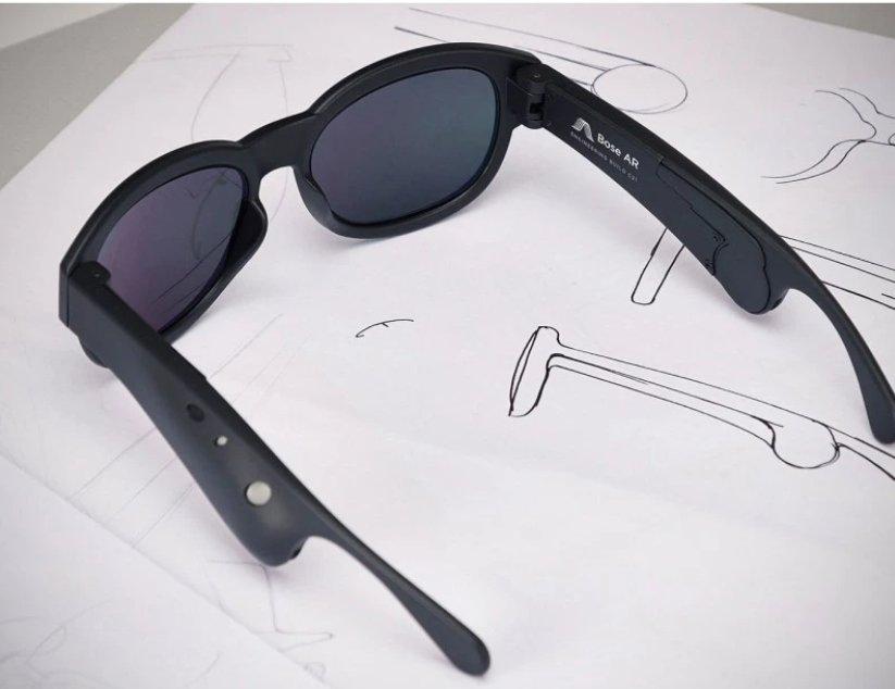 Очки Bose Frames., Беспроводные наушники, скрытые внутри оправы стильных очков. Позволяют слушать музыку и окружающих.