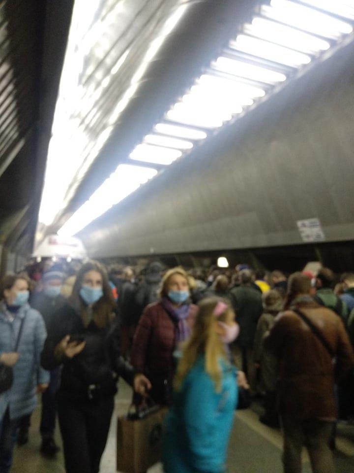 В Киеве заминировали станцию метро «Крещатик», ФОТО, фото-1