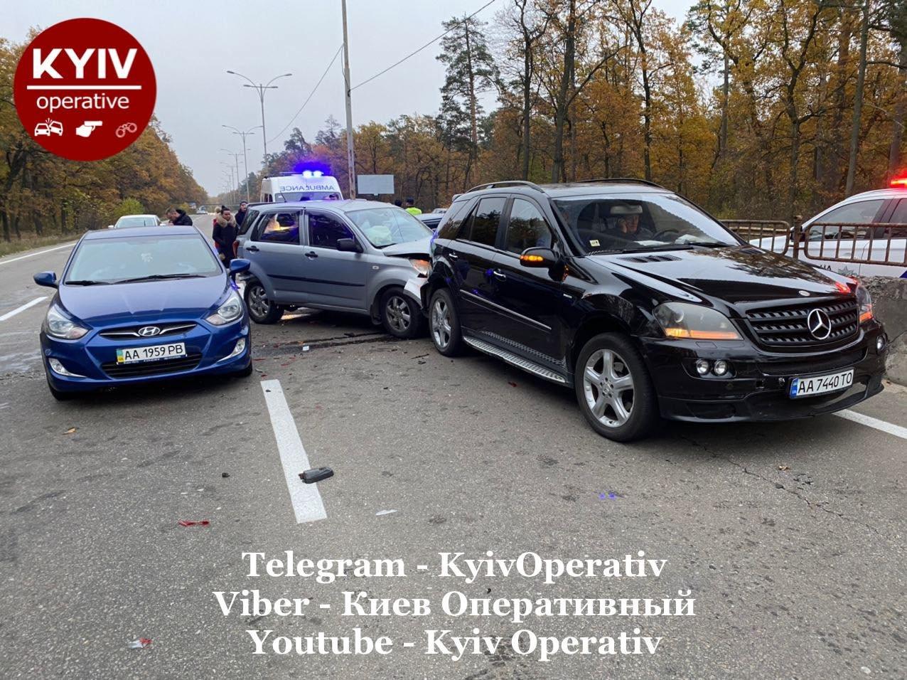 В Киеве в масштабной ДТП погиб один человек, еще несколько получили травмы, Фото Киев оперативный