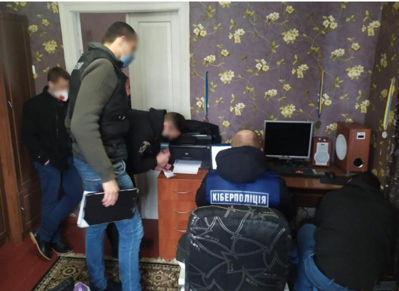 В Киевской области мужчина нарушил авторские права телеканалов на 700 тысяч гривен, фото-1, Департамент киберполиции Национальной полиции Украины