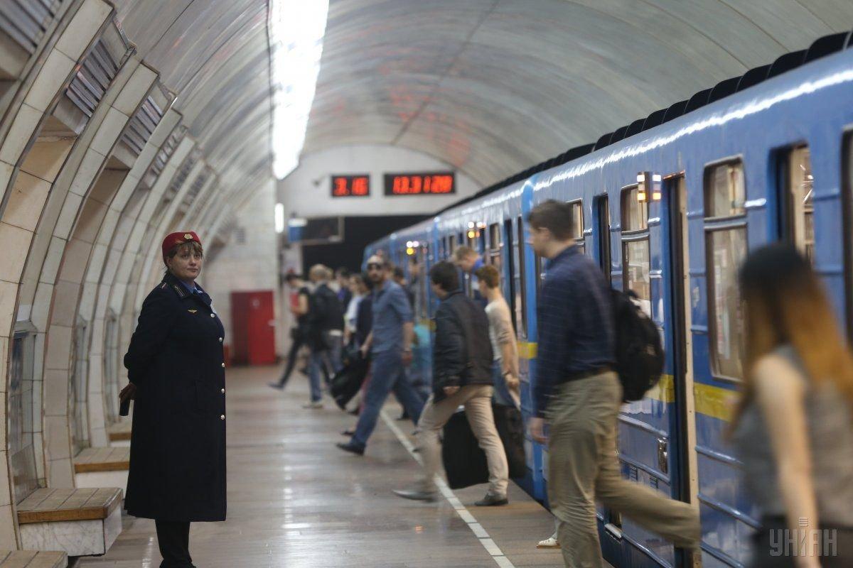 Станцию метро Хрещатик в Киеве открыли. Сообщение о заминировании оказалось ложным, Фото: Униан