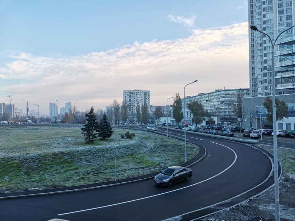 Как выглядит новая развязка на Березняках в Киеве, которую строили 14 лет, Фото: Александр Густелев в Facebook