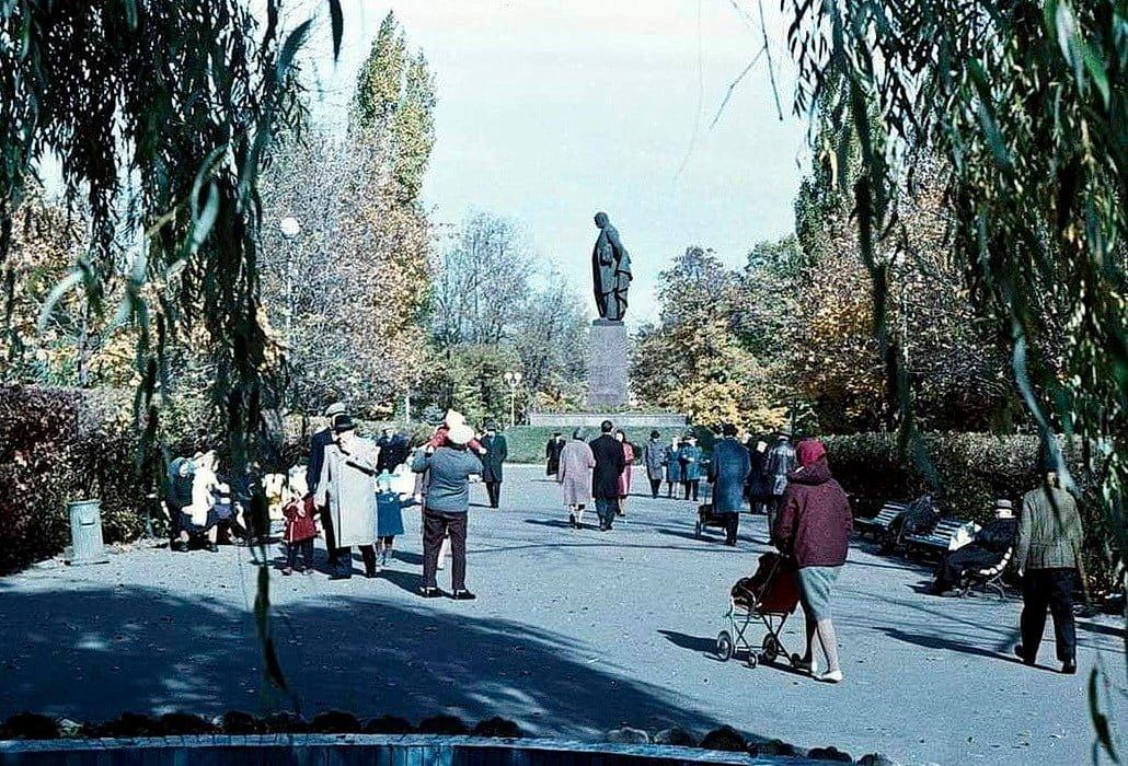 Как когда-то одевались киевляне — архивные фото, Фото: Клуб коренного киевлянина (Facebook)