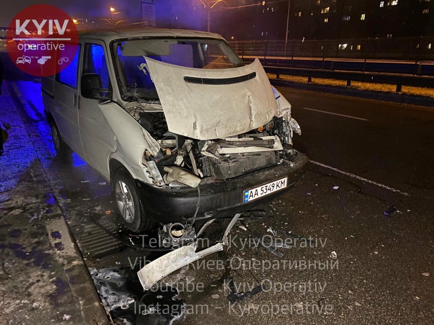 Пьяный водитель в Киеве устроил ДТП и начал отстреливаться от преследующих его свидетелей, Фото: Киев Оперативный