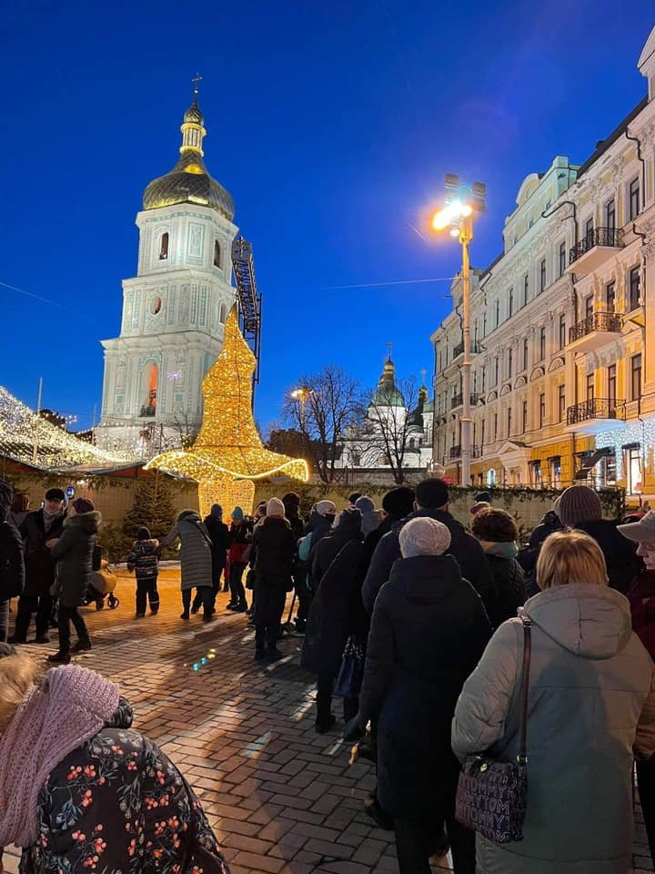 Сказочную шляпу вернули на Софийскую площадь в столице, Facebook, директор Департамента культуры КГГА Диана Попова