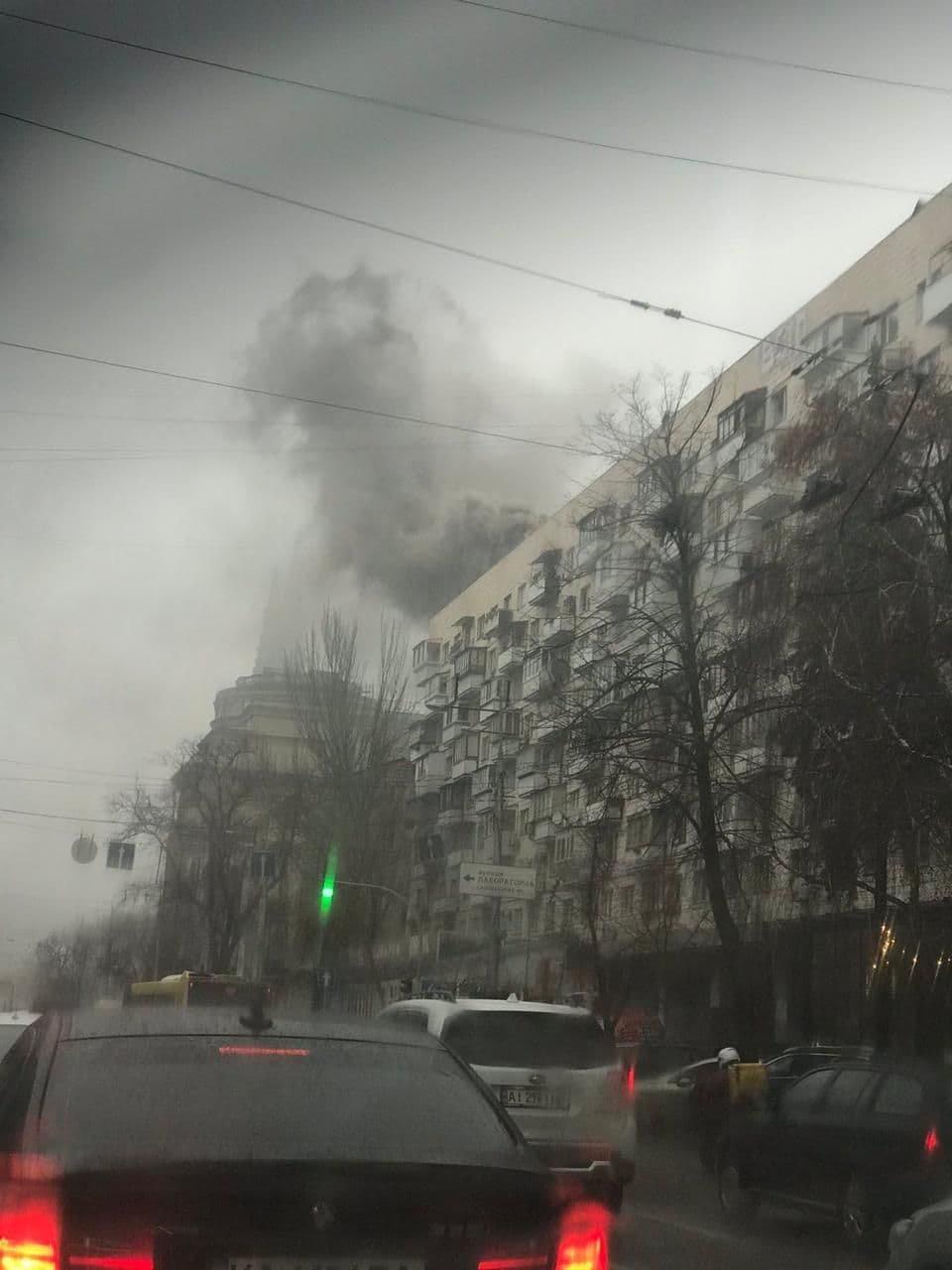 В Киеве горел ресторан, Главное управление ДСНС Украины в Киеве.
