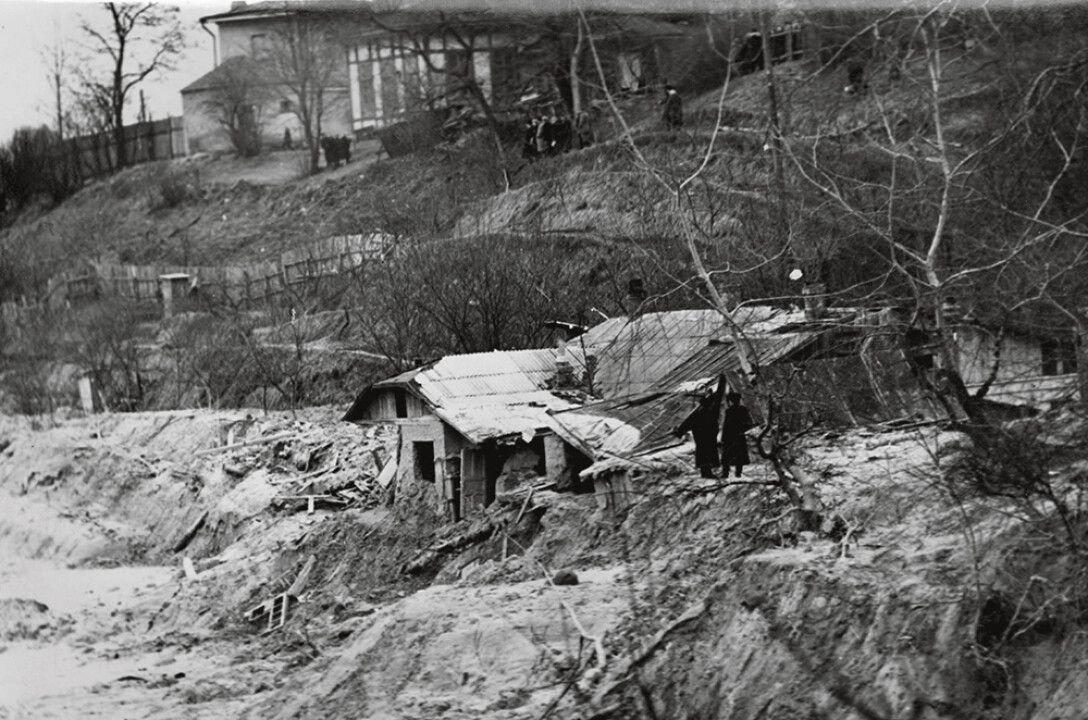 Снесенные дома и застывший бетон: история Куреневской трагедии в Киеве