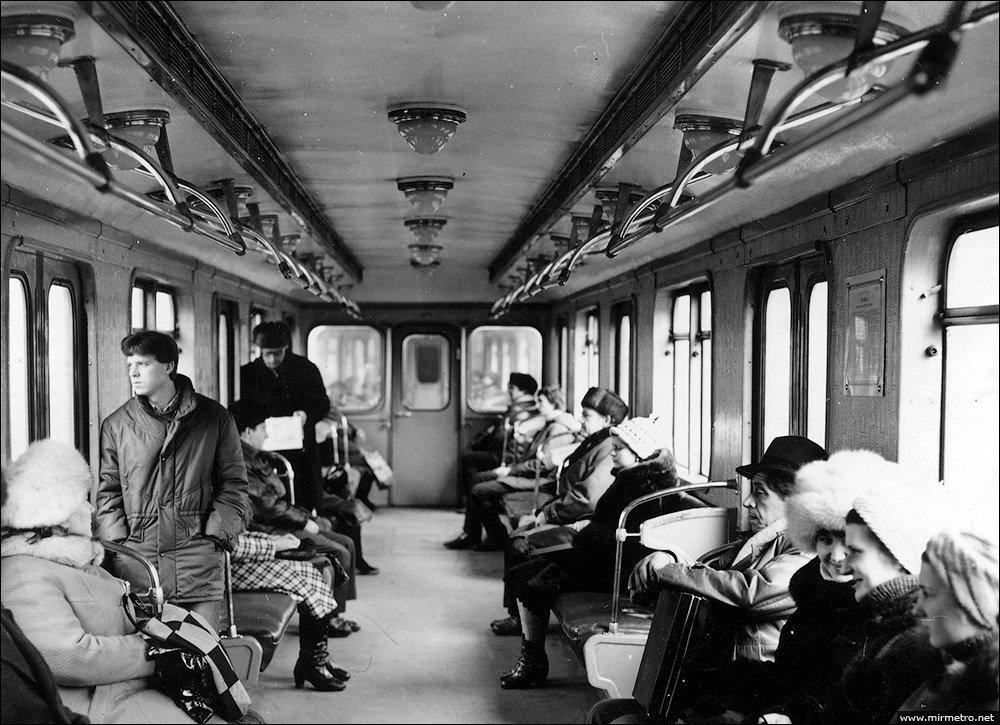 Поезда по 3 вагона: история Киевского метро и протяженность составов, - ФОТО