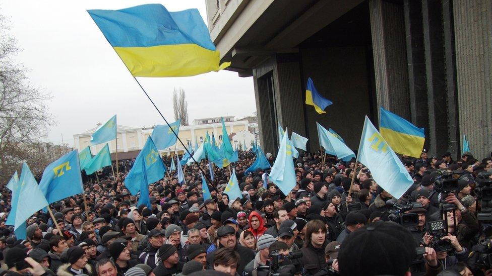 Проукраинский митинг в Симферополе 26 февраля 2014 года, AFP
