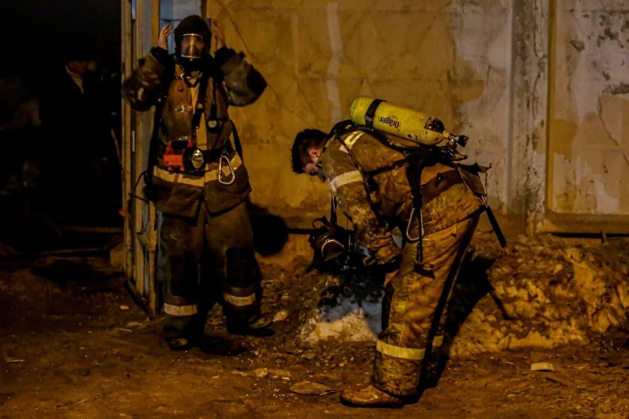В Киеве горела недостроенная баня, погибли три человека.