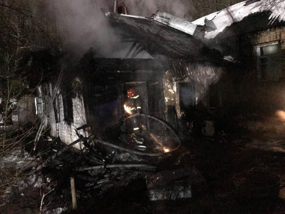 Один человек погиб во время пожара в одноэтажном доме на окраине Киева ., Фото ГСЧС