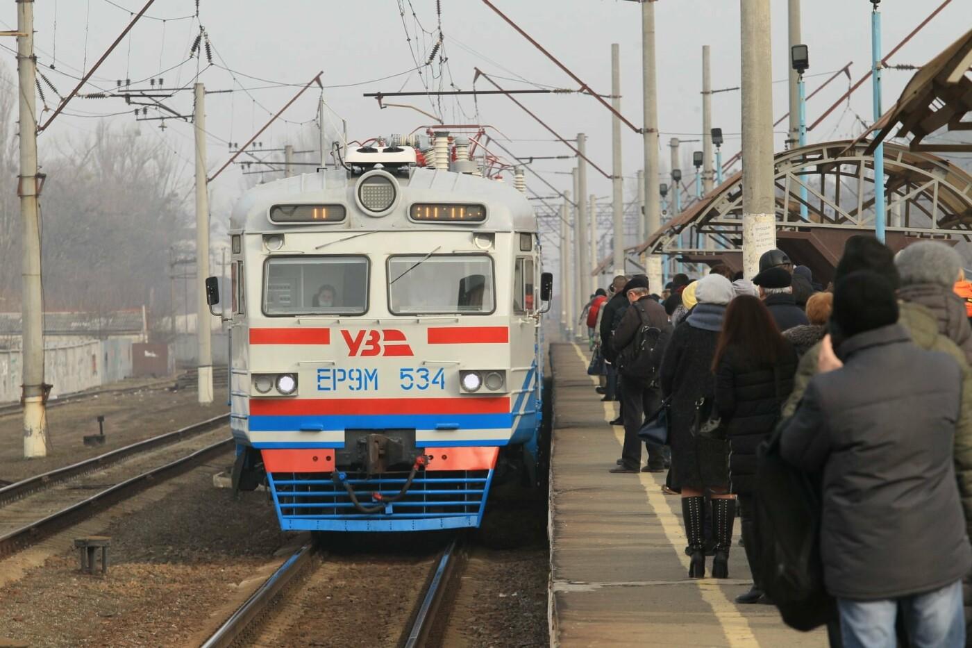 Модернизированная электричка, Фото: председатель Коцюбинского поселкового совета Сергей Даниш