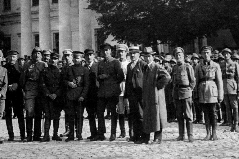 Василий Тютюнник - пятый слева, Фото: uinp.gov.ua