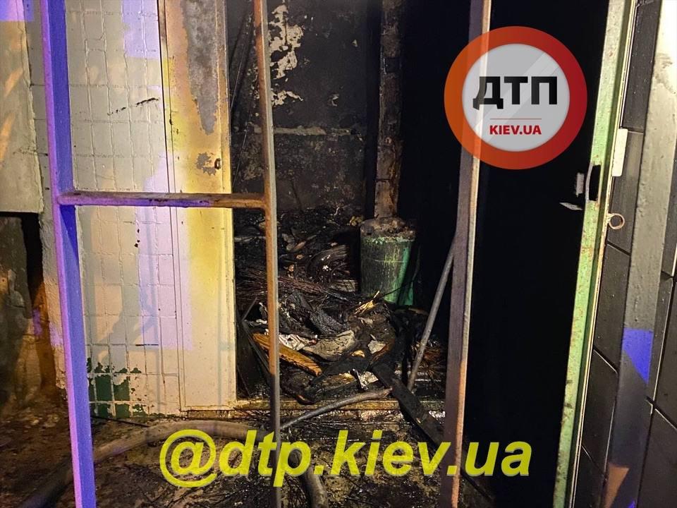 В киевском доме взорвался мусороповод.
