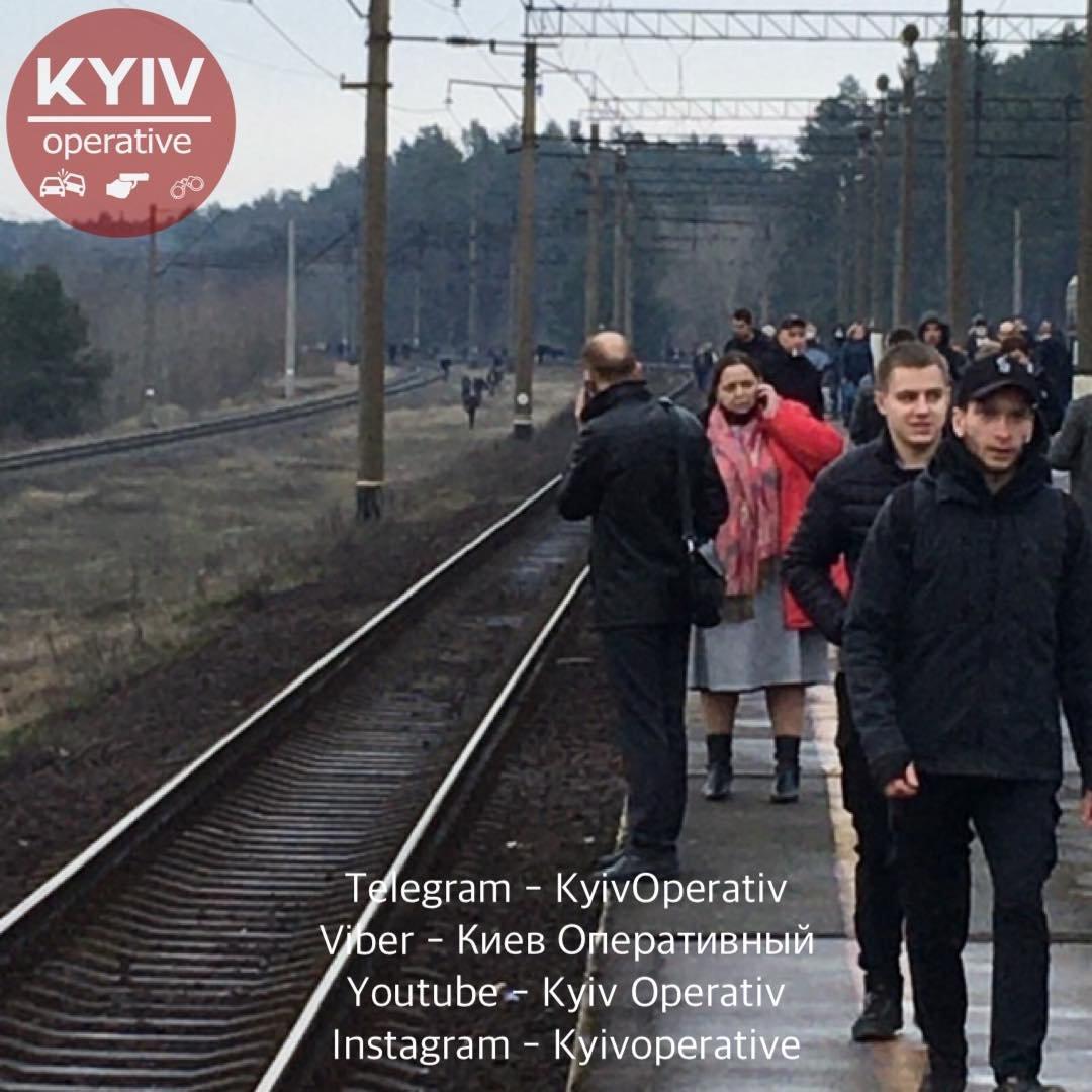 """""""Укрзализныця"""" объявила о задержке поездов через Киев."""