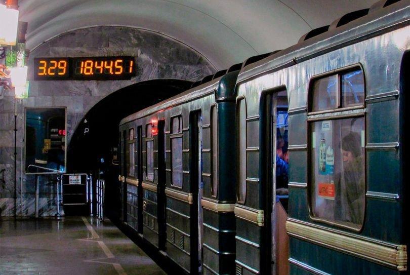 Табло со временем прибытия поезда, Фото: Наш Киев