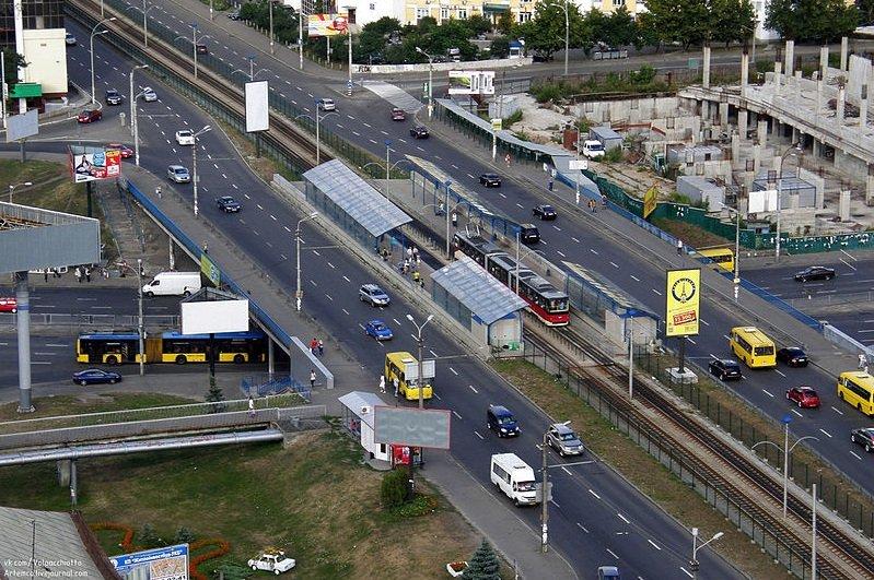 """Станция """"Индустриальная"""", Фото: Википедия"""