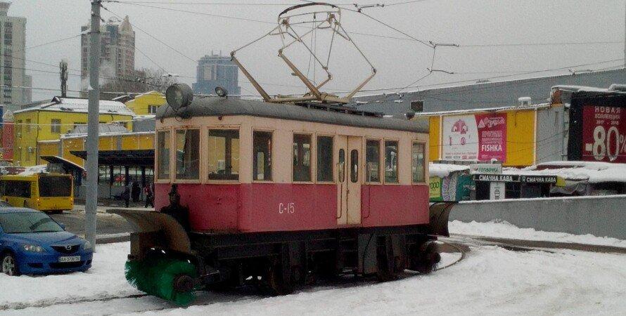 Снегоуборочный трамвай в Киеве, Фото: Фокус