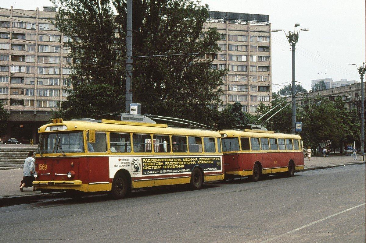 Троллейбусный поезд, Фото: Twitter