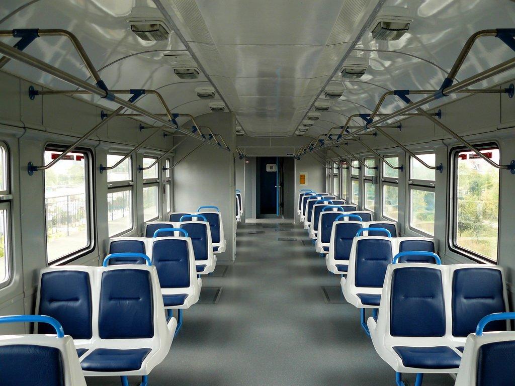 Салон электрички, Фото: Википедия