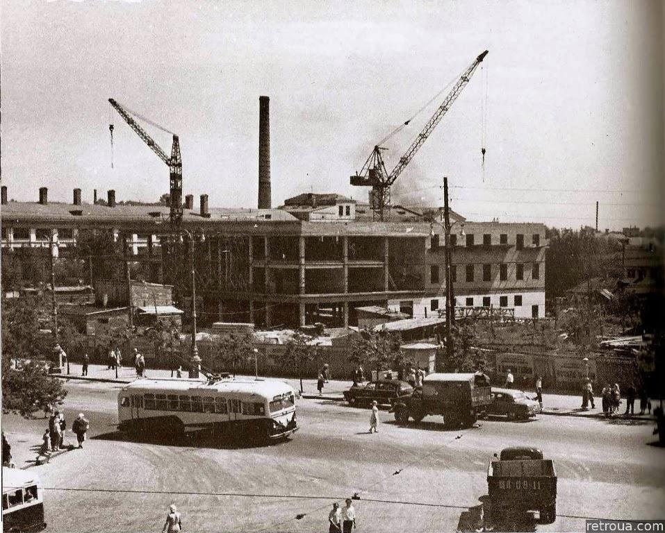 Строительство вокзала, фото: retroua