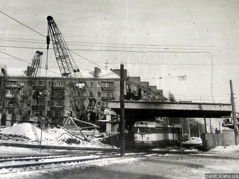 Строительство Борщаговки, фото: uainfo