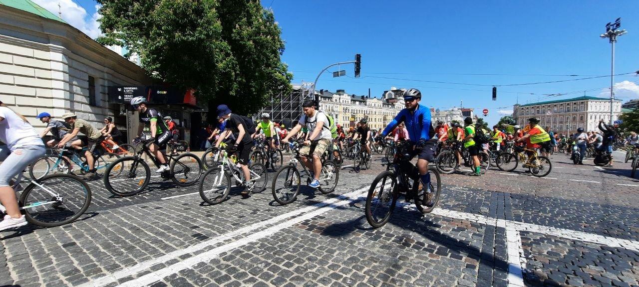 как в Киеве массово на велосипедах катались, Фото 44.ua