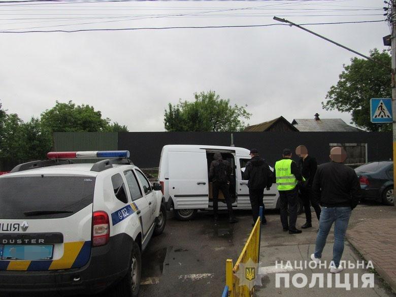 в Киеве грабителям удалось украсть платежный терминал., Фото полиции