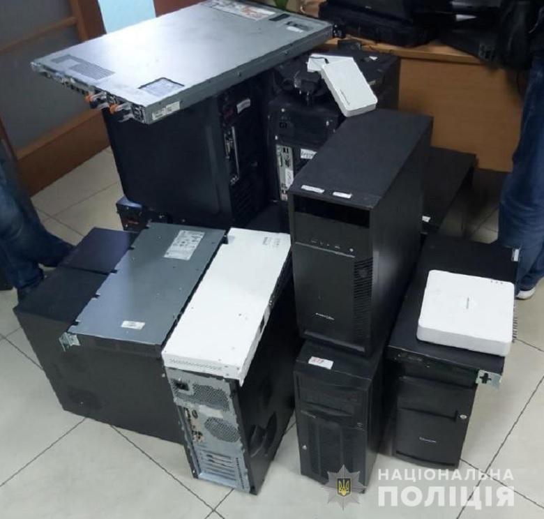 В Киеве полиция задержала групу мошенников, которые по телефону угрожали людям, Полиция Киева