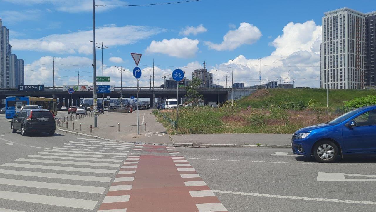 Водителям на заметку: где в Киеве установили новые дорожные знаки, ЦОДД