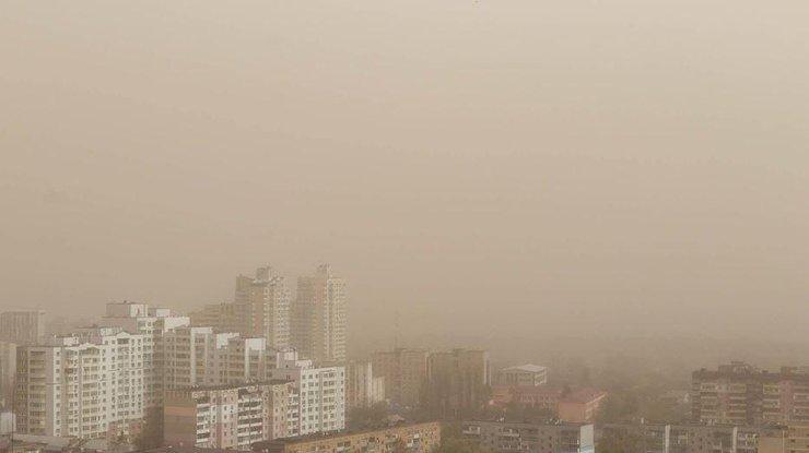 """Что такое """"Астраханский суховей"""" и как киевлянам спастись от сильного тумана, фото из открытых источников"""