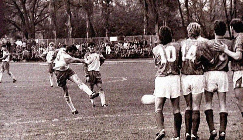 Первый гол в истории Сборной Украины по футболу, Фото: Википедия