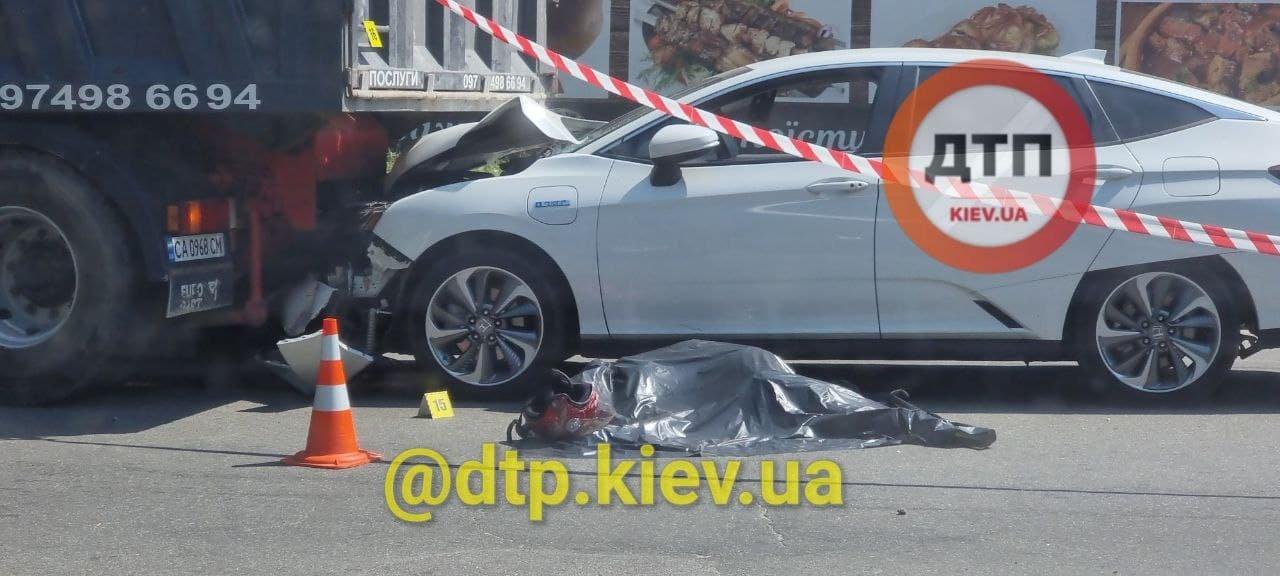 В Киеве пьяный водитель насмерть сбил мотоциклистку, Фото: dtp.kiev.ua