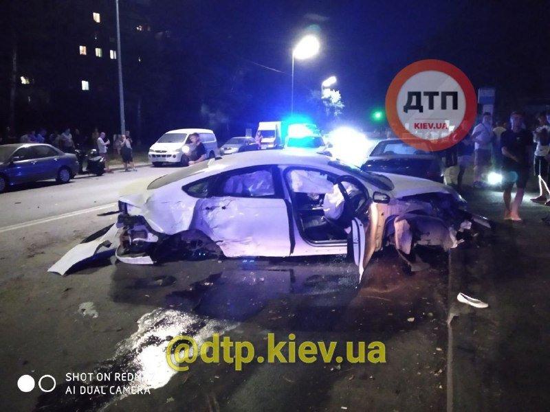 В Днепровском районе столицы ночью случилось серьёзное ДТП, Фото: Автопатруль Майдан