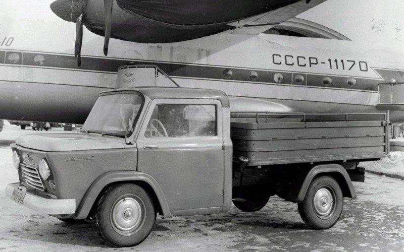 "Автомобиль КМЗ-5 ""Киев"""