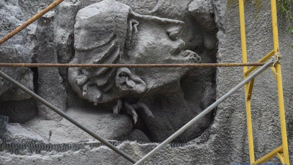 Восстановленный фрагмент Стены памяти