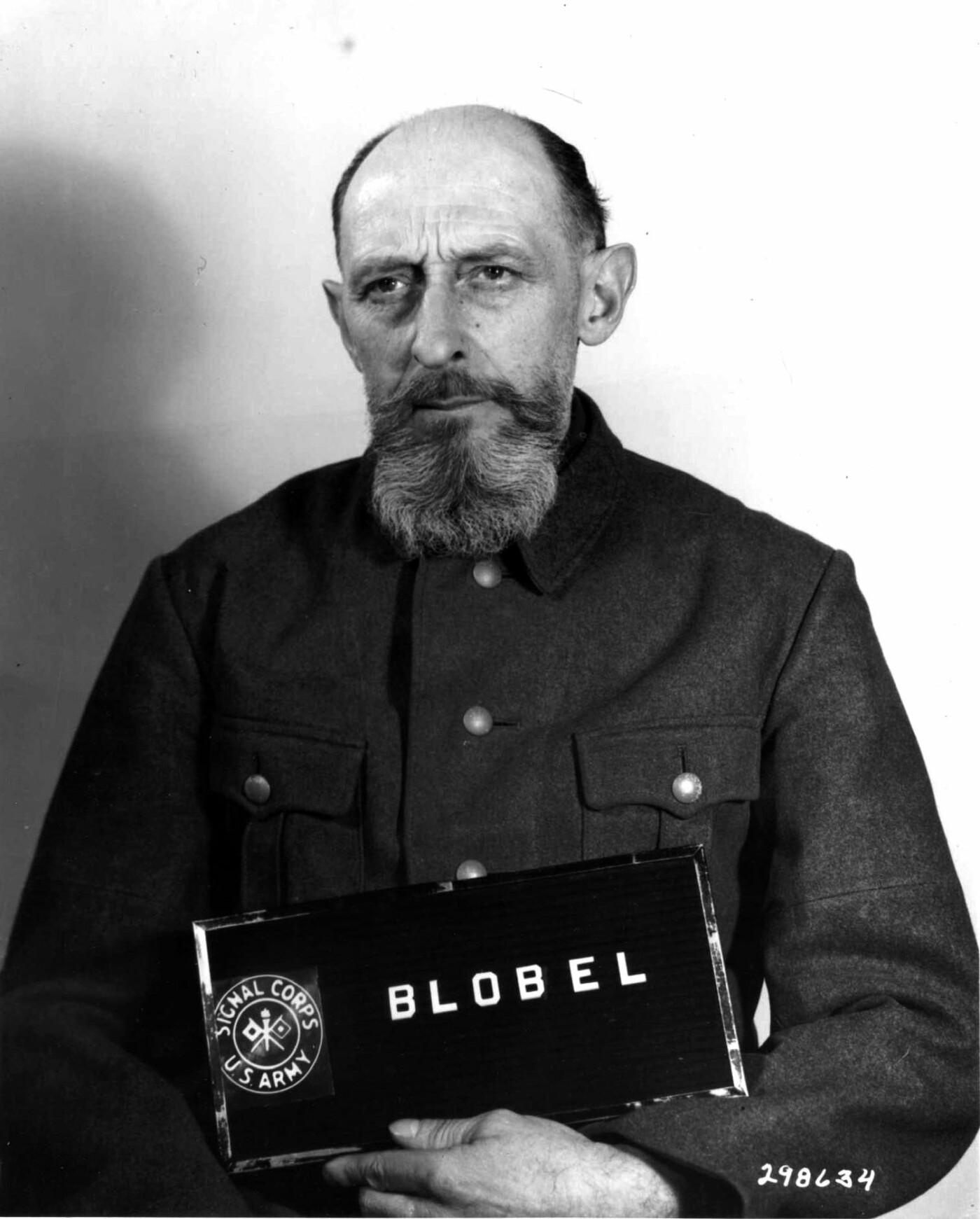 Немецкий офицер Блобель, обвиненный в организации убийств
