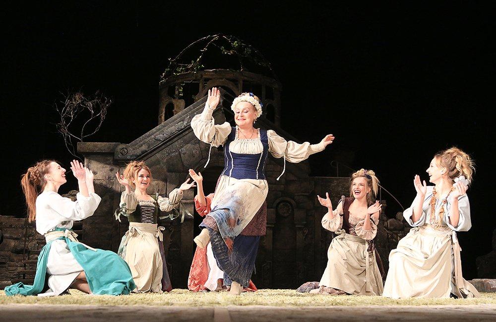 Спектакль в театре им. Леси Украинки в Киеве
