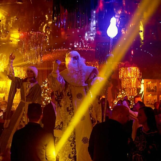 Фотоотчет ночной дворик москва
