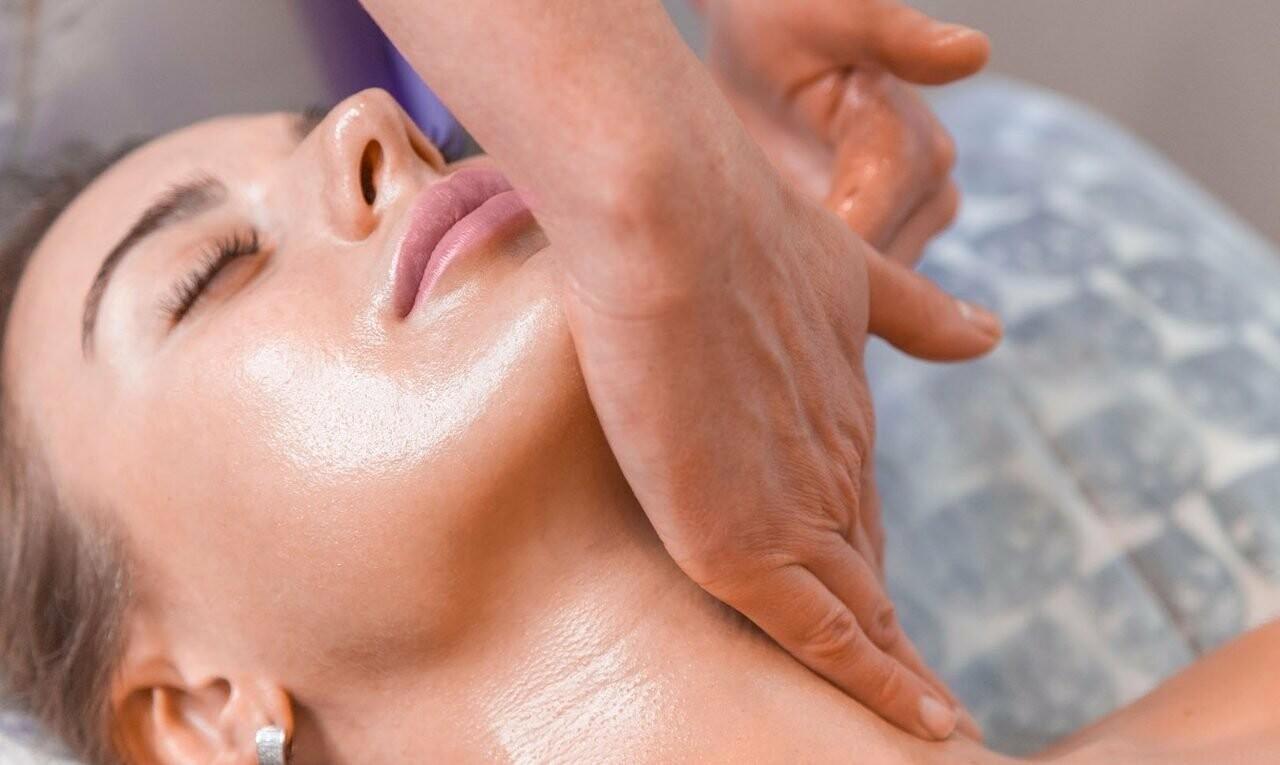 массирование кожи лица в салоне фото